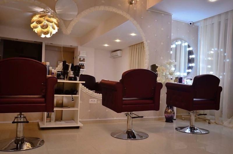 Vand Salon De Infrumusetare Anuntulro